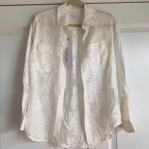 Equipment outstanding delicate blouse NWT